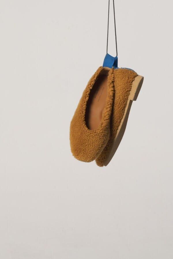 Sheepskin Shoes in Camel